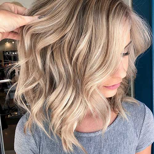 Beach Wavy Blonde Short Hairstyles