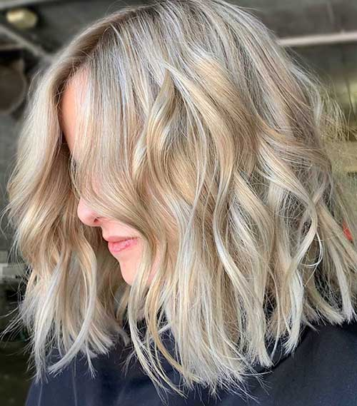 Light Ash Blonde Short Haircut