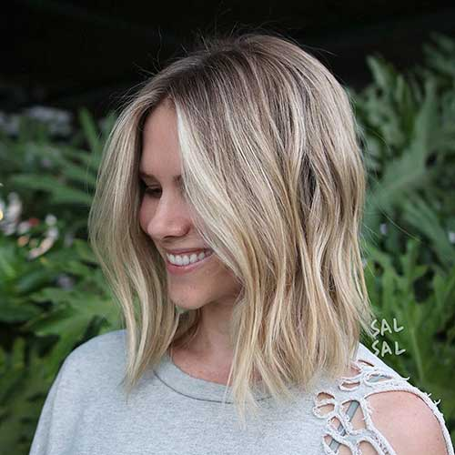 Dark Blonde Short Hairstyles With Blonde Lights