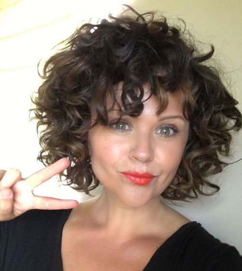 Bob Haircuts with Bangs for Curly Hair-15