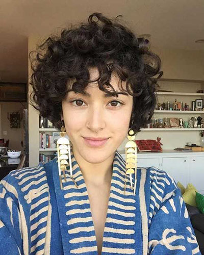 Short Hairstyles For Curly Hair With Bangs