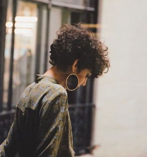 Stylish Short Curly Haircuts 2019-7