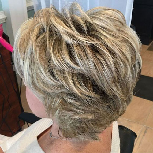 Best Short Haircuts for Women Over 50-11