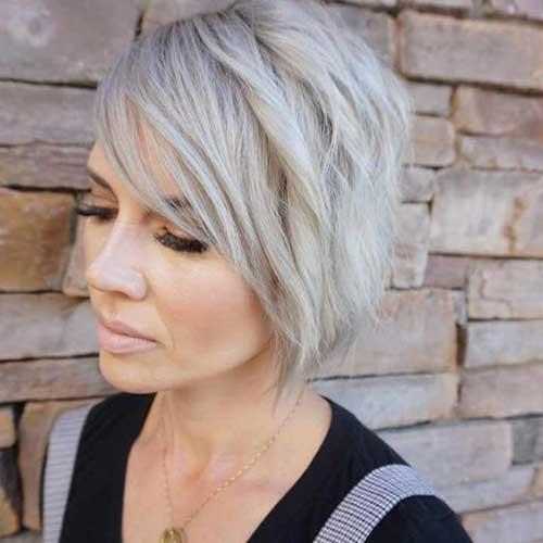 Best Short Haircuts for Thin Hair-14