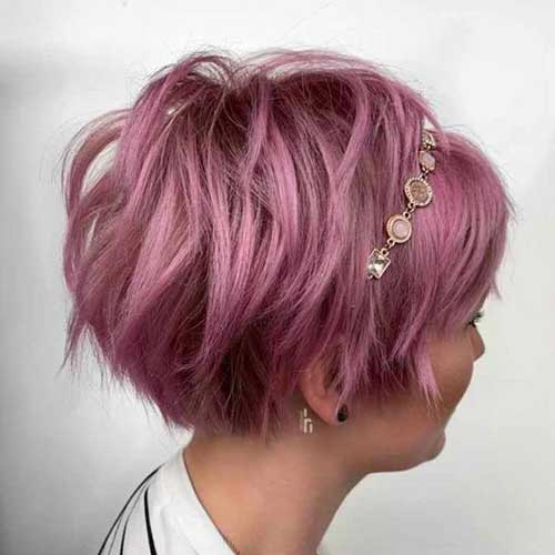 10.Cute Layered Short Hairstyle
