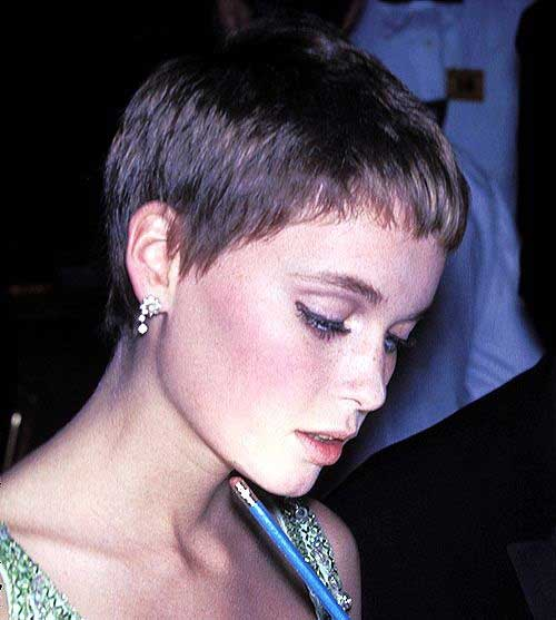 Short Haircuts for Thin Hair-13
