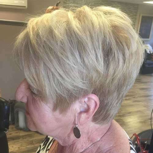 Short Layered Haircuts for Women Over 50-6