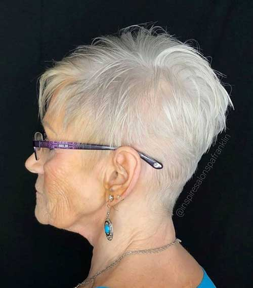 Short Natural White Haircuts for Women Over 50-8