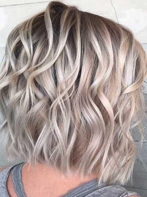 24-short-layered-wavy-hair-14102019145224