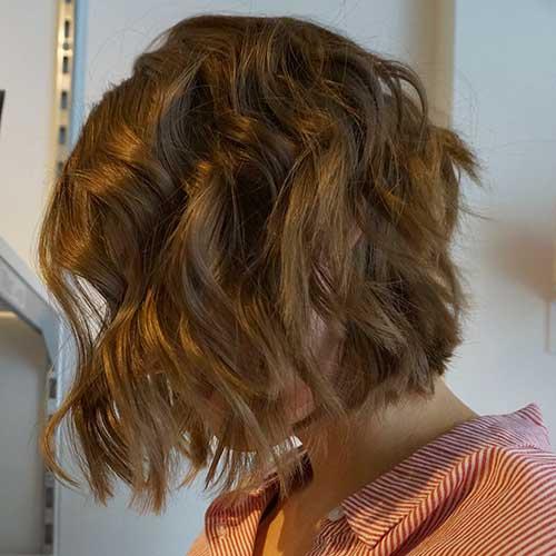 28-short-layered-wavy-hair-14102019145228