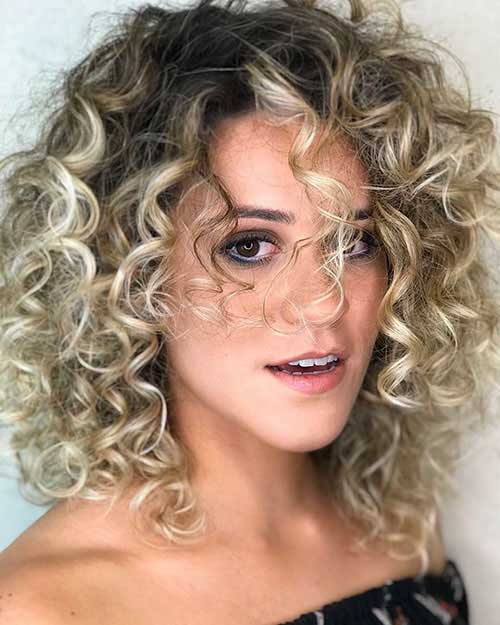 Short Curly Layered Hairstyles