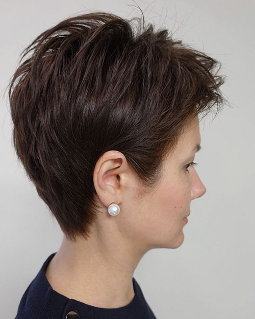 27-short-hairstyles-for-women-27022020152627