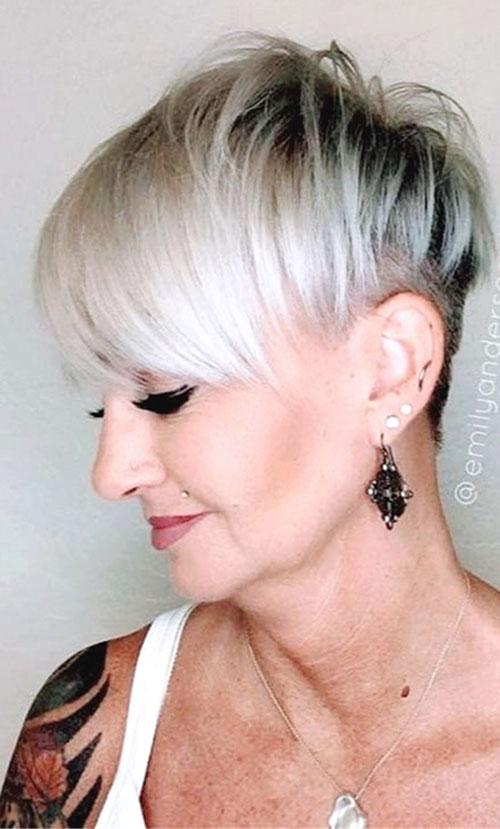 21-hairstyles-for-short-hair-women-2904202092621