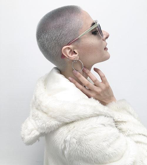 6-short-haircuts-for-silver-hair-290420209496