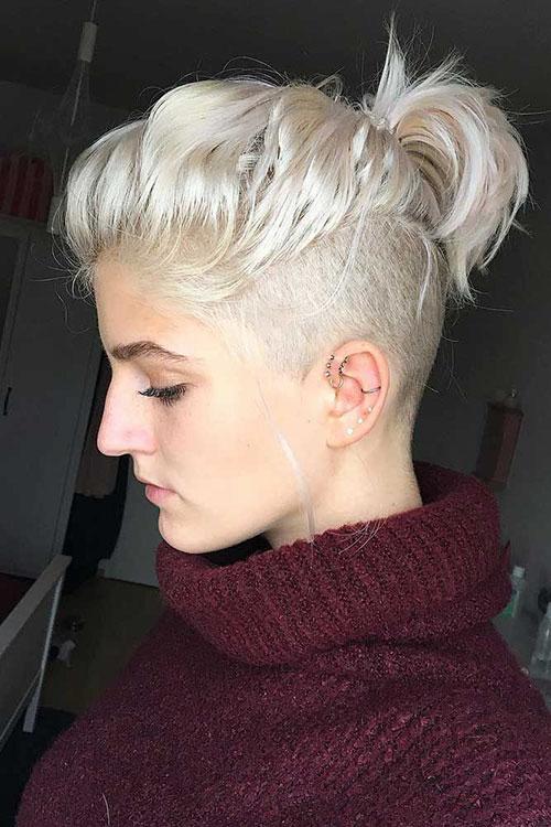 Short Platinum Hair Styles
