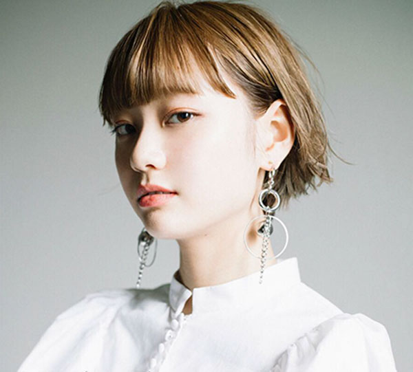 7-cute-hairstyle-for-full-bangs-0810202016167